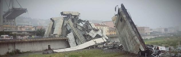 foto ponte Morandi caduto