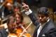 il direttore d'orchestra Alpesh Chauhan