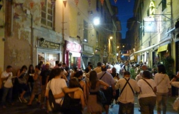 folla in strada in una precedente edizione