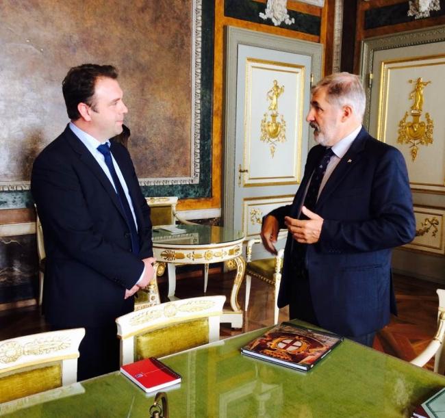 sindaco e ambasciatore