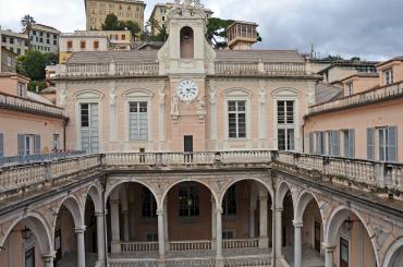 Cortile di Palazzo Tursi - orologio