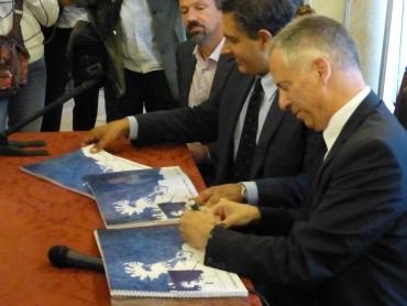 firma della donazione del blue print