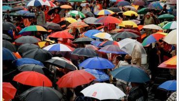 ombrelli colorati aperti