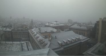 tetti imbiancati dalla webcam di palazzo tursi
