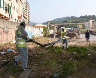 Comune di genova operazione decoro in citt sgomberato for Cabine del torrente grave