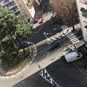 Piazza Guicciardini intersezione con asso Bracelli, via Ricca e via Bertuccioni