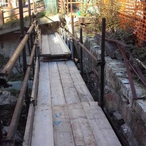 Preparazione interventi ripristino del ponte pedonale