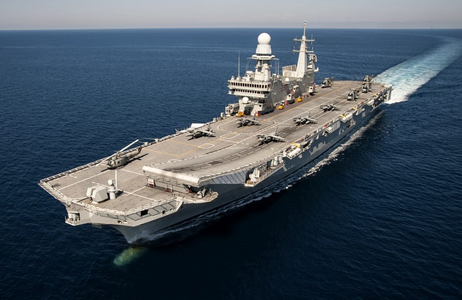 Immagine della portaerei Cavour